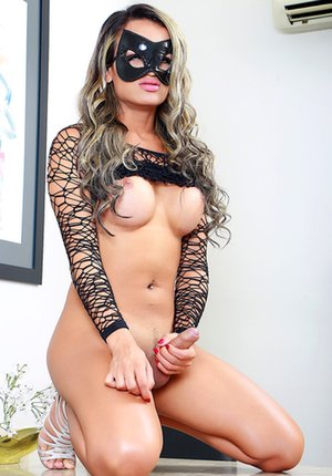 Blindfold Shemale Pics