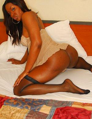 Ebony Shemale Pics
